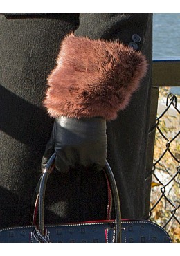 GLOVES with red mink fur trim