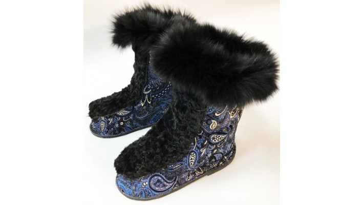 Raccoon fur inside Leather Boots with fox fur