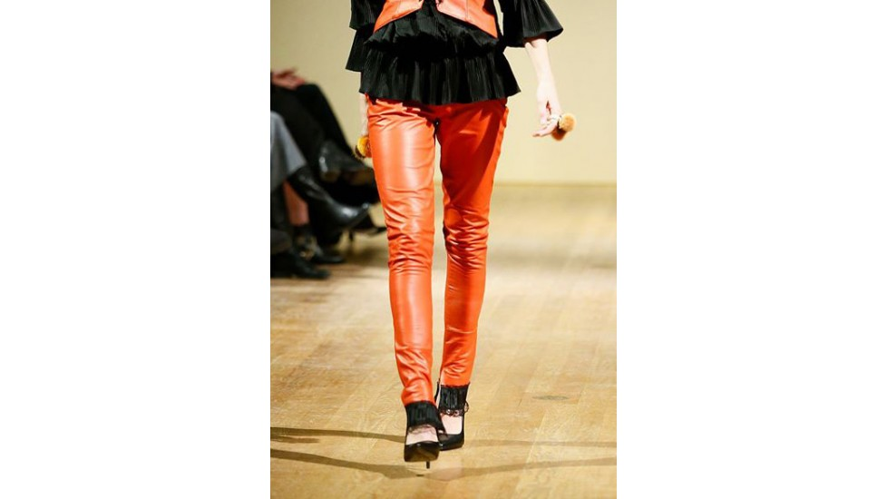 Pantalon en cuir orange