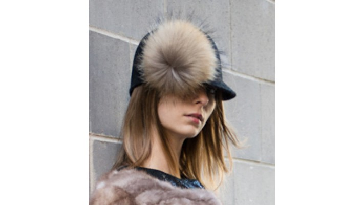 Hat with finnish raccoon fur removable pompon